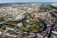 Wszystko, co najlepsze, znajduje się na rzeką: Wyspa Młyńska, marina, Stary Rynek, spichrze oraz hala Łuczniczka. Bydgoszcz to jedno z miast-gospodarzy tegorocznych mistrzostw świata.