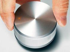 Minimalistic Speaker Looks Like Volume Knob