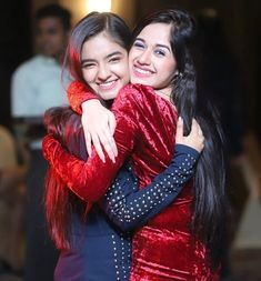 My bff best friend forever ❤️ Cute Girl Poses, Girl Photo Poses, Girl Photos, Indian Photoshoot, Saree Photoshoot, Cute Little Girl Dresses, Cute Little Girls, Stylish Girls Photos, Stylish Girl Pic