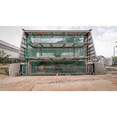 . RW15, Düsseldorf, Germany. Only a few months to go…  #RW15 #Germany #Duesseldorf #Dwelling #Villa #Mansion #energyefficiency #Residential #GBT #Lehrstuhl #Chair #Gebäudetechnologie #Building #Technologies #RWTH #Aachen #University #Braun #Associates #Architecture #Architektur #Building #Design #Lookingup #Style #Archidaily #Perspective #Design #AryanMirfendereskiPhotography @Aryan_Mirfendereski