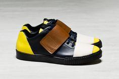 Marni 2015 Fall/Winter Collection: Consuelo Castiglioni's standout range of accessories. Sneaker Games, Men's Wardrobe, Shoe Art, Walk On, Winter Collection, Marni, Designer Shoes, Balenciaga, Kicks