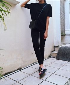 Simple Black Tee and Jeans and Sandals