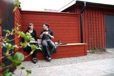 Vår vid varuintaget – Sara bakar Garage Doors, Outdoor Decor, Home Decor, Decoration Home, Room Decor, Interior Design, Home Interiors, Interior Decorating