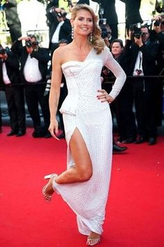 Heidi Klum blinded out with an amazing gown by Versace that was embellished entirely with Swarovski Crystals.