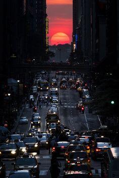 IlPost - La 42esima strada a Manhattan, 29 maggio 2013. (AP Photo/John Minchillo) - La 42esima strada a Manhattan, 29 maggio 2013. (AP Photo/John Minchillo)
