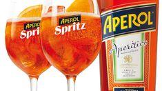 Drink, ktorý si zamilujete: Aperol Spritz - Pluska.sk Alcoholic Drinks, Liquor Drinks, Alcoholic Beverages, Liquor