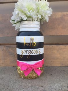 Black, white, pink and gold mason jar. Black and pink centerpieces - Fiesta - Pink Centerpieces, Bridal Shower Centerpieces, Baby Shower Decorations, Bridal Shower Favors, Wedding Decorations, Table Decorations, Kate Spade Party, Kate Spade Bridal, Mason Jar Projects