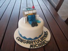 Mossy's Masterpiece - Michael's Plumbers bum Cake by Mossy's Masterpiece cake/cupcake designs, via Flickr