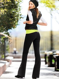 Ruched-back Yoga Pant Supermodel Essentials want!!