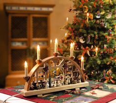 """Schwibbogen """"Weihnachtsvorbereitungen"""" http://www.bestofchristmas.com/Schwibboegen/Original-Schwibboegen-aus-der-Rothenburger-Weihnachtswerkstatt/elektrisch-230-V/Weihnachtsvorbereitungen-Schwibbogen.html?campaign=pinterest/Weihnachten/Schwibbogen"""
