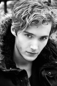 Toby Regbo #romancingthejoan I'll take him...(King or not) <3