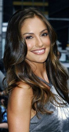 Minka Kelly, Actress: Days of Summer. Minka Kelly was born in Los Angeles… Brunette Beauty, Hot Brunette, Hair Beauty, Beautiful Smile, Most Beautiful Women, Minka Kelly Hair, Minka Kelly Makeup, Brunette Actresses, Beautiful Celebrities