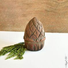 A Pinecone Christmas ~ DIY Ornaments ~ #HomeForChristmas