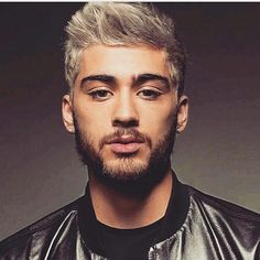 Climb on board Well go slow and high tempo Light in dark Hold me hard and mellow I'm seeing the pain,seeing the pleasure Nobody… Zany Malik, Ex One Direction, He Is Alive, Zayn, Bad Boys, Music Artists, Love Her, Music Videos, Dj