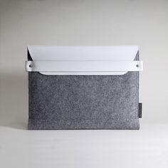 Styling Macbook Pro Sleeve