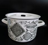 Arabia Finel Finland Kaj Franck enamel enameled large pot fish Design (my favorite) Vintage Kitchenware, Vintage Dishes, Vintage Ceramic, Logo Design, Large Pots, Fish Design, Pottery Designs, Animal Paintings, Scandinavian Design