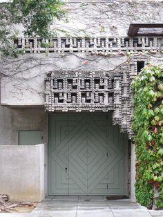 Lloyd Wright Home and Studio West Hollywood, Hollywood California, Wayfarers Chapel, Frank Lloyd Wright Homes, Usonian, Indoor Outdoor, Outdoor Decor, Hollyhock, Modern Architecture