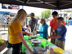 Showing students at the 2014 Cedar Point Math and Science Week dancing oobleck on a speaker (a non-Newtonian fluid demonstration). Non Newtonian Fluid, Refracting Telescope, Science Week, Cedar Point, Teaching Methods, Algebra, Astronomy, Dancing, Students