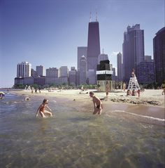 Chicago offers 26 miles of shoreline along Lake Michigan with plenty of free beaches and an long bike path. See our guide to local favorites! Chicago Hotels, Chicago Beach, Chicago Vacation, Chicago Travel, Chicago Skyline, Chicago Chicago, Travel Usa, My Kind Of Town, Canada