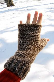 fingerless gloves...I'm in love with these right now!!