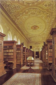 Oxford University Queen's College Library in Oxford, England