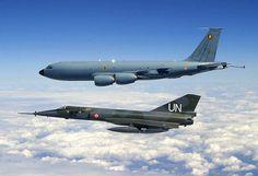 Image issue du site Web http://www.avion-de-combat.com/Avion-de-combat/Dassault-Breguet_Mirage_IV/MirageIV/MIRAGE-IV-07.jpg