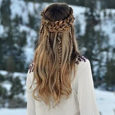 I love how this is braided and it's amazing done
