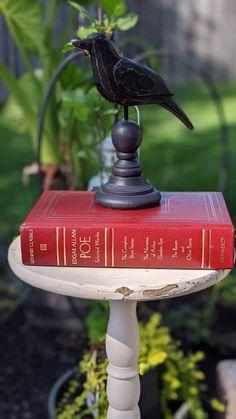 Book Centerpieces, Edgar Allen Poe, Halloween Books, Vintage Books, Staging, Halloween Decorations, Lettering, Marker, Raven