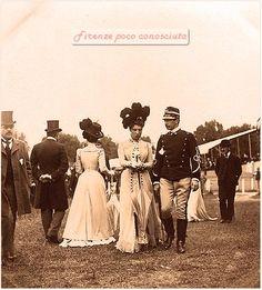 CAscine, concorso ippico, 29 aprile 1899, eleganza di pochi ma comunque bei abiti confezionati a #Firenze.