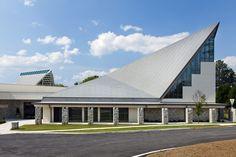 Holy Innocents Episcopal Church Atlanta GA Designed by TVS Associates VMZ Flat lock panel in QUARTZ-ZINC #VMZINC www.vmzinc-us.com