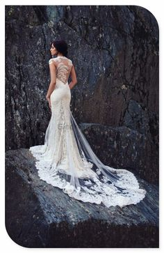 Stunning #vintage #weddingdress. This is perfection! Find more http://bit.ly/P2QgnZ