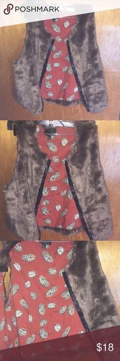 Cynthia Rowley faux fur vest sz l Cynthia Rowley faux fur vest sz l Cynthia Rowley Tops