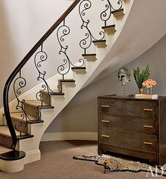 Nina Griscom's Elegant Central Park Duplex - Architectural Digest Staircase Railings, Banisters, Stairways, Wrought Iron Staircase, Wooden Staircases, Railing Design, Staircase Design, Staircase Ideas, Floating Staircase