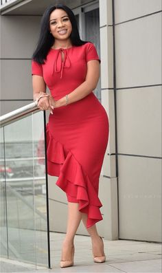 How to Look Classic Like Serwaa Amihere - 30 Outfits Short African Dresses, Latest African Fashion Dresses, African Print Fashion, Women's Fashion Dresses, Latest Fashion, Classy Work Outfits, 30 Outfits, Classy Dress, Dress Outfits