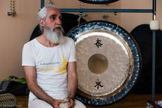 Tai Loi: La felicidad ha llegado. El gong trae la felicidad, relajando y desbloqueándonos, física, emocional y mentalmente. Si quieres saber más sobre este símbolo visita este video en youtube: Gong Tai Loi. ¿Qué significa este simbolo?