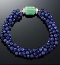 http://rubies.work/0931-emerald-pendant/ CARTIER Pulcera de Lapis Lazuli, Turquesa, y Diamantes, 1920s