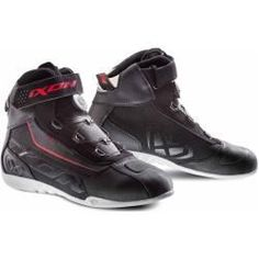 micheal jordan black and white Ixon Assault Evo Stiefel Schwarz Weiss Rot 45 Ixon Sneaker High, High Top Sneakers, Sneakers Nike, Women's Shoes, Red Shoes, Nike Air Huarache, Black White Red, Black Boots, Air Jordans