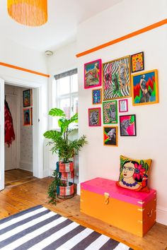 Video tour of a maximalist style rented Apartment in Birmingham UK. This rental has been injected with colour and personality through the use of contact paper (stickyvinyl) Colourful Living Room, Colourful Home, Retro Living Rooms, Colorful Decor, Colorful Apartment, Deco Originale, Aesthetic Room Decor, House Rooms, Contact Paper