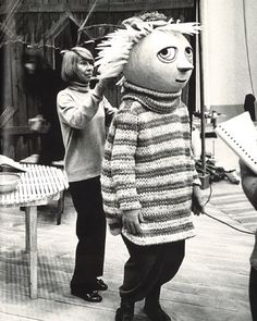 Tove Jansson in 1973 filming the Moomin series. Tove Jansson, Gaudi, Picasso, Moomin Shop, Best Costume Ever, Chagall, Moomin Valley, Fuzzy Felt, Stop Motion