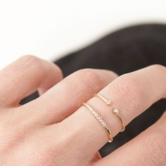 Diamonds line ring