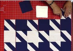 Houndstooth quilt pattern free. Sooooo trendy. Make your own sofa quilt with it, or cover your ottoman with this pattern. No need to stick to blue/white: go wild and pick orange... or classy tan + cream... or chic grey + off-white... complete tutorial with video. perfect. FREE.