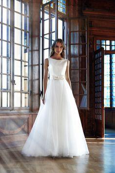 556692c54952 MODELLO SB 1018 Splendido abito da sposa con bustino in mikado di seta pura  impreziosito da