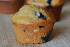 Protein-Packed Kodiak Blueberry Muffins - Reese Woods Fitness Oatmeal Blueberry Muffins Healthy, Healthy Muffins For Kids, Healthy Muffin Recipes, Blue Berry Muffins, Healthy Breakfasts, Healthy Snacks, Protein Powder Recipes, High Protein Recipes, Healthy Protein