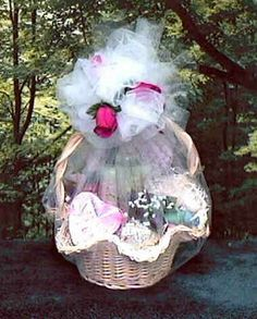 Homemade Valentine\'s Day Gift Basket | Basket ideas, DIY ideas and Gift
