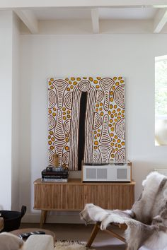 Aboriginal paintings for sale. Aboriginal Painting, Encaustic Painting, Haida Art, Indigenous Art, Indigenous Australian Art, Paintings For Sale, Diy Art, Home Art, Art Projects