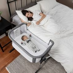 baby furniture Baby Delight Beside Me Dreamer Bassinet and Bedside Sleeper, Gray Baby Bedroom, Baby Boy Rooms, Baby Room Decor, Small Baby Nursery, Baby Room Closet, Babies Rooms, Girl Rooms, Baby Bedside Sleeper, Baby Bedside Crib