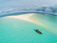 The amazing sandbank that comes and goes with the tides