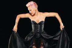 Liebe Münchner Singles, Popstar Pink kommt am Freitag (14.9.) in den Circus Krone. Wer geht hin?
