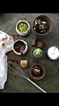Çikolatanın en çok yakıştığı lezzetler den biri Profiterol ..