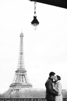 Engaged in Paris. Photography By / capturelife.fr